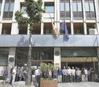 El minut de silenci de divendres a l'ambaixada.