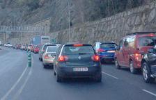 Canillo registra una cua rècord de 14 quilòmetres baixant de pistes