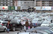Els comerciants evidencien la falta de places d'aparcament a la capital