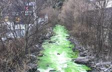 La coloració verda del Valira crea alarma a Andorra i fora