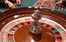 El casino es licita amb ubicació lliure i l'obligació que tingui 2.000 metres dedicats al públic