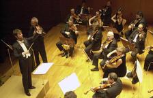 Ignacio Yepes dirigint l'orquestra simfònica d'Abruzzese el 2000.