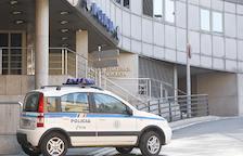 Detingut per robar 250 euros i 27 cupons de loteria en un bar de la Massana