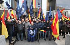 Els neonazis impedeixen que BPA recuperi l'edifici de Banco de Madrid