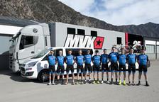 L'equip ciclista impulsat per Maverick Viñales es vesteix de gala