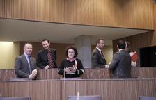Ld'A veu marge per evitar l'aturada i el PS critica la retallada de drets