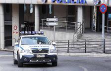 La policia deté tres persones per violència domèstica