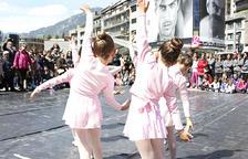 Celebració del Dia de la dansa amb exhibicions i tallers oberts a la plaça Guillemó