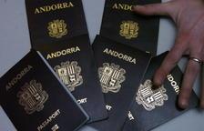 Molts residents no consideren útil tenir el passaport andorrà.