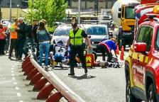 El motorista ferit a l'avinguda Salou continua ingressat en estat molt greu