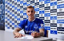 L'Everton oficialitza el fitxatge de Digne