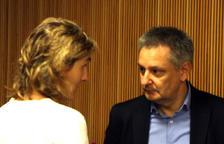 La coordinadora de l'Sdadv, Anna Ubach, i el ministre d'Economia, Gilbert Saboya, ahir.