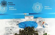 Detinguts dos joves amb 595 grams de marihuana en l'habitació d'un hotel