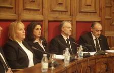 Membres de la majoria comunal en una sessió.