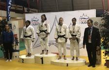 Lea Adam es penja la medalla de bronze a l'Excellence de Tolosa