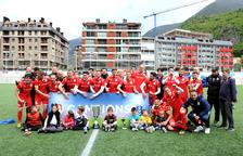 Dotze equips busquen un lloc a Europa a la Copa Constitució