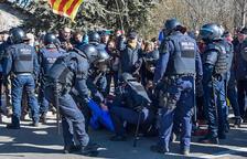 Transportistes a mig gas pels talls de carretera a Catalunya
