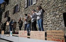 Nova concentració dels joves de Fridays For Future al Consell