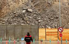 La caiguda de pedres a l'esllavissada del Punt durarà anys