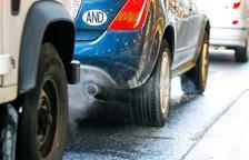 Calvó defensa que es puguin ajustar a les taxes als vehicles contaminants