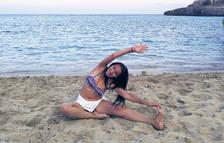 Ioga a la platja