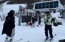 Els equips de tècnica d'esquí alpí es preparen a Ushuaia