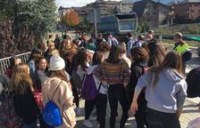 Els mossos desallotgen els manifestants que tallaven l'N-260