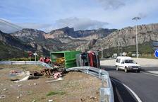 Un camioner resulta ferit greu a l'entrada d'Oliana