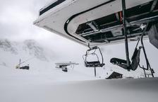 La primera nevada deixa gruixos de deu centímetres a cotes altes