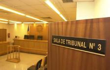 La justícia absol l'exdirector de la presó