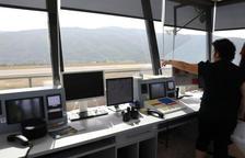 El GPS de l'aeroport, sobre la taula de Defensa i Foment