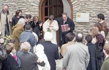 Lluís Claret i Anna Mora van rebre una allau d'arròs a la sortida del comú.