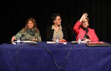 Les tres candidates es disputen els vots dels funcionaris