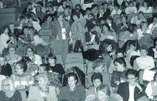 Desenes de dones interessades a reclamar drets es van aplegar al comú el 1994.