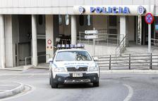 La policia controla dues menors per ruixar amb gas pebre