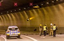 Un motorista resulta ferit lleument al túnel de la Tàpia