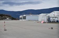 Iniciat el procés per construir hangars a l'aeroport de la Seu