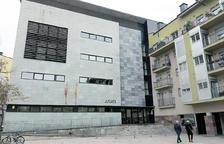 Fàbrega reclama expedir els certificats penals a la Seu