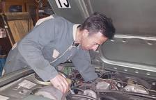 Arreglar vehicles clàssics per després gaudir-los