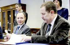 Govern cessa Josep Estañol de les funcions de notari