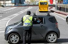 La policia inicia controls de trànsit per circular per causes justificades