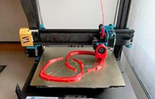 """Iniciativa per fer """"material complementari sanitari"""" amb l'ajuda d'impressores 3D"""