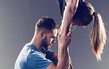 L'atleta de parkour, Leo Urban, practica ioga