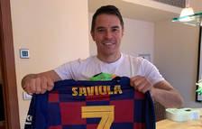 Javier Saviola fa un Gol Solidari i dona una samarreta dels Barça Legends per subhastar