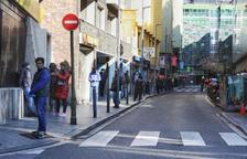 Tanquen l'oficina de correus espanyols pel positiu d'un treballador
