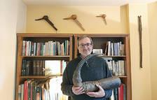 El director de l'Institut d'Estudis Andorrans, Jordi Guillamet, col·lecciona instruments de vent