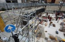 Dos metres de separació i mascareta, normes per als operaris d'una obra