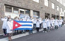 Deserten dos sanitaris cubans
