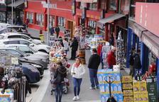 Encamp prohibeix exposar productes al carrer