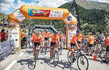 'Purito' Rodríguez, al centre, a l'última edició de la marxa cicloturista.